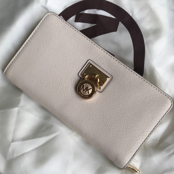 5f1b8beab9017a Michael Kors Bags   Michael Lors Hamilton Wallet Vanilla   Poshmark
